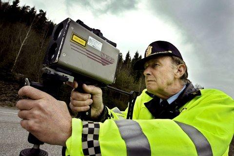 Kjørte alt for fort: Larvik-mannen skulle kjøre forbi en annen bil i 50-sonen, men der hadde politiet en trafikkontroll.