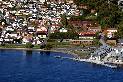 ATTRAKTIV: Nå kan du være med å avgjøre hvilken by i Norge som er attraktiv. Dette bildet er tatt fra oven en solskinnsdag i 2004.
