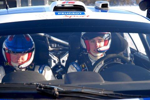 KOLLEGER: Kartleser Trond Askheimstuen-Svendsen og rallysjåfør Anders Kjær, kjørte sammen i en årrekke.