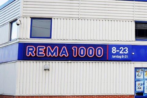 STJAL FRA ARBEIDSGIVER: I nesten ett år sjal larviksmannen penger fra Rema 1000-butikken han jobbet i.