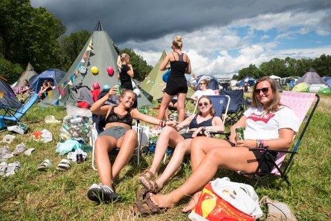 POPULÆRT: Ragnhild Beck Hesteness, Hedda Rysjedal og Anikken Grieg Sætre på camp før festival. Bildet er fra et tidligere år.