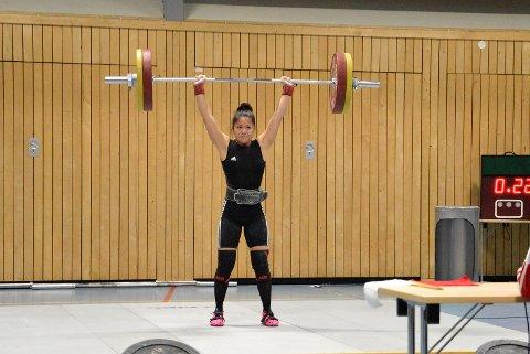 TRESIFRET: Rebekka Tao Jacobsen støtet hundre kilo for første gang.