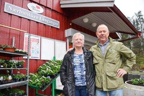Oddbjørn og Inger Lia som driver Langangen mat.