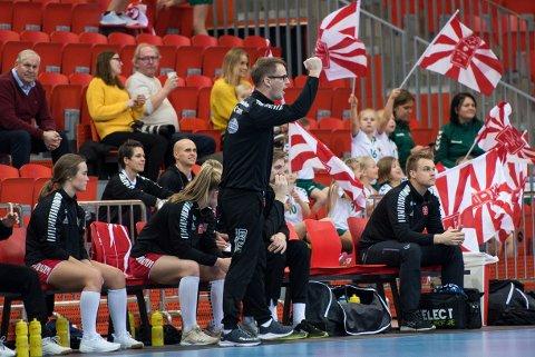 JUBEL: Lars Wallin Andresens lag vant med 11 mål over Fjellhammer i Boligmappa Arena. For tre måneder siden tapte de med åtte mot samme lag.