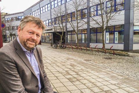 ER BEKYMRET: Kommunalsjef Jan-Erik Norder sier at mange barn nå sliter og at kommunen har et stort fokus på denne gruppen under koronakrisen.