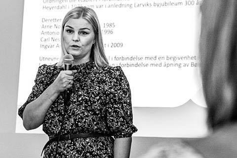 BEKLAGELIG: Camilla Svendsen i Larvik kommune synes det er beklagelig at tilbudet til de lavtlønnede familiene ikke har fungert optimalt i sommer.