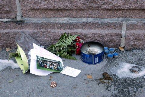 Bare noen få meter fra porten inn til hjemmet sitt i Nordahl Bruns gate ble Egil Tostrup Bråten funnet knivstukket. Drapet var lenge en av de store uløste drapsgåtene i Norge, helt til analyser av DNA-sport i 2016 førte til et gjennombrudd. Foto: Erik Johansen / NTB scanpix
