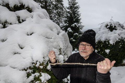 SNØ HER: Værprofet Svein Sparby har bra med snø utenfor eget vindu i øyeblikket.