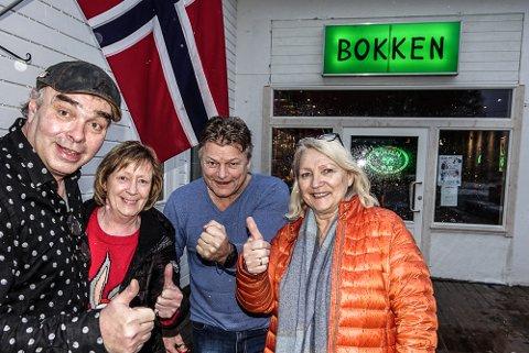 ENDELIG: Eierne, fra venstre Andreas Holø, Mette Bergersen, Magne Libekk og Sissel Rendalen kunne endelig åpne dørene til den nye puben.