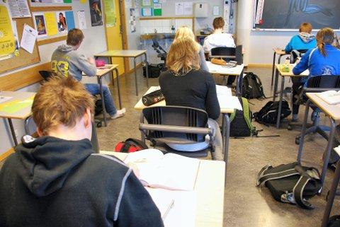 EN ANNEN TID: Sånn er det ikke på skolen lengre. Nå er det nettbrett og pc, som gjelder for alle, også i Elverum.