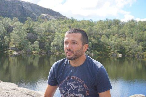 FLYTTER: Snart flytter Vlado Radejlic og familien til Nøtterøy. Da begynner han å jobbe på Teie skole.