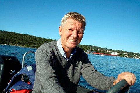 Jørn Pettersen med sitt holdingsselskap Babord har kjøp utbyggingsområdet på Gladhaug i Ekstrand av Stein Jaran Fredriksen. – Det er et fantastisk fint område i Ekstrand som er østvendt nær sjøen. Jeg har planer om å oppføre 5 eneboliger på tomta, sier Jørn Pettersen.