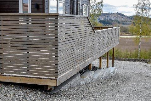 Denne terrassen irriterte en nabo så mye at det ble sendt en anonym klage til kommunen.