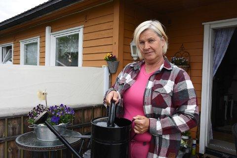 BRUDD PÅ BRUDD: Kari Taraldrud fyller opp kanner.