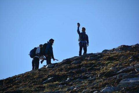 Jens Ingebrigtsen på prøvejakt har skutt sin første rype Med Rolf Selfors og Kyrre Øygarden i Gressfjellet