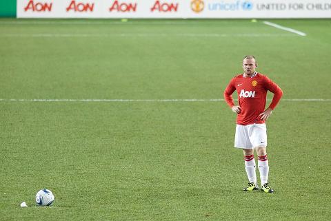 Wayne Rooney og Manchester United. Bare tre prosent (av dem som har deltatt i undersøkelsen til Nettavisen) har en nøytralt forhold til klubben. Foto: Wikimedia Commons