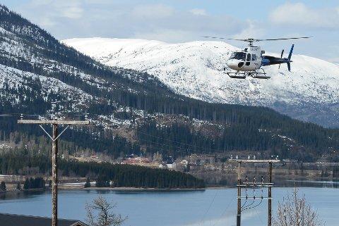 Det er et Airbus-helikopter av typen H-125 som brukes til linjeinspeksjon.