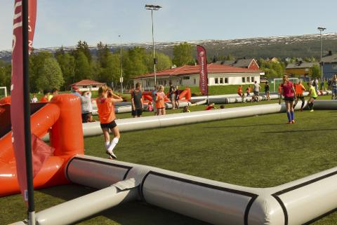 CUP: Helgen 20.–21. mai inviterer Selfors Ungdomslag i samarbeid med Helgeland Sparebank, Helgelands første turnering hvor alle lag spiller treerfotball. Foto: Selfors UL