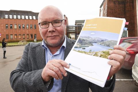 – Det blir dyrere å bo i Hemnes kommune i årene som kommer. Vann- og avløpsgebyret kommer til å stige med 10 prosent i året. Dette betyr minst en tusenlapp for husholdningene hvert år, sier rådmann Amund Eriksen i Hemnes kommune.