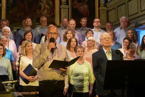 Harmonika: Hyllest til Erik Bye med Andreas Kolstad og Sigmund Groven som var gjestene under konserten med Båsmokoret.