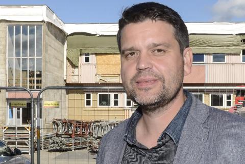 Geir Åge Helgå (46) er en av fire søkere til  jobben ved Gruben barneskole. Han er i dag rektor ved Korgen sentralskole.