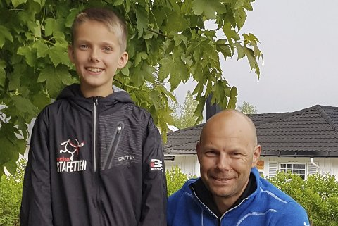 IMPONERTE: Celsas Eirik Bjørkmo lot seg imponere over 11-årige Nicolai Martino som kom rett fra USA for å delta i Celsastafetten.