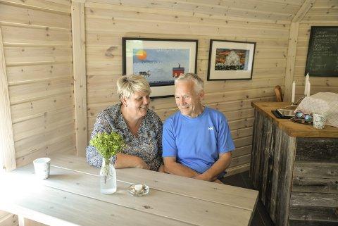 For Anne Berit Sætermo og Toamma Bientie går sommeren på Storli Camping og Aernie over all forventning.