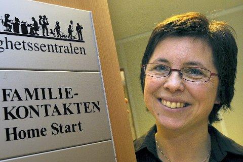 Baby- og småbarnskafé: Familiekoordinator Wenche Gjesbakk håper mange kommer til treff på Møteplassen.