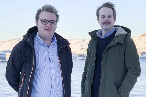 Sander Delp Horn (t.v.) og Jarl-Håkon Olsen i Nordland AUF tar til ordet for at fylkeskommunen må etablere et eget mineralselskap, som tar ansvar for utnytting gode mineralforekomster i fylket.