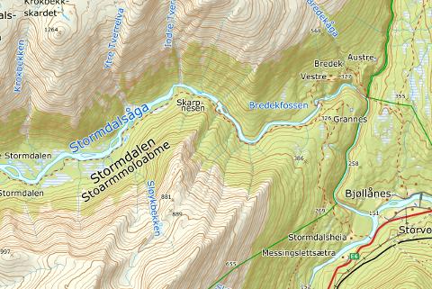 Skulle skredet som har laget en propp ved Skarpneset bryte, vil det bli mye vannføring ned Stormdalsåga, Tespa og Ranelva.