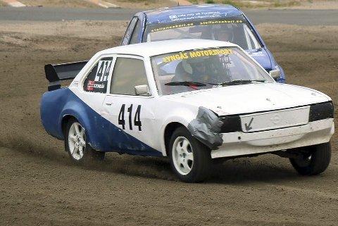 NMK Ranas Kenneth Lyngås må vente med kjøringen til godt ut på sesongen – i beste fall. Nordlandscupen i bil- og rallycross er uansett avlyst på grunn av koronakrisen. Foto: Trond Isaksen