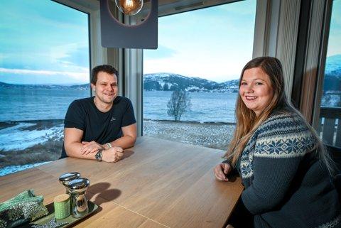 Etter ei tøff tid gleder Jørgen Finvåg og Monika Moss Jensen seg over å nyte utsikten til dager der de igjen kan gjøre vanlige ting, sammen.