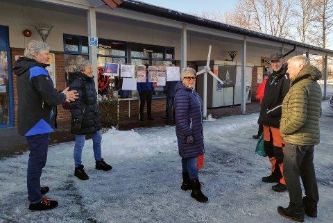 Leif Remmen, Gretha Bye, Eva Nerland, John Fagertun og Magne Elstad hadde stand for Motvind på Nesna i helga.