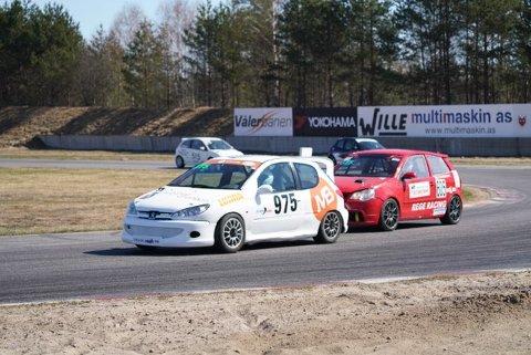 17 år gamle Ola Høgli, NMK Rana, debuterte i GT5-klassen med fine plasseringer på Våler sist helg.Foto: Kim Thomassen