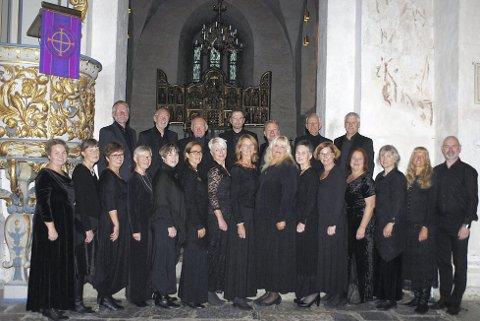 I Ringsaker kirke: er det allehelgenskonsert med Ringsaker Kantori, Vibeke Horsberg og Roger Andreassen  søndag klokka 18.