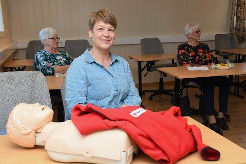 Klar for å hjelpe: Sanna Røhr har bestemt seg for å bli besøksvenn i Furnes og Brumunddal Røde Kors. Lørdag var hun på kurs.