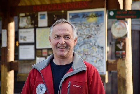 Naturavhengig: Løypebas på Ringkollen, Rolf Storbråten sier han er avhengig av å være i skauen, uansett årstid. – Lukten av granbar og nyhogd tømmer er helt rått, sier han.
