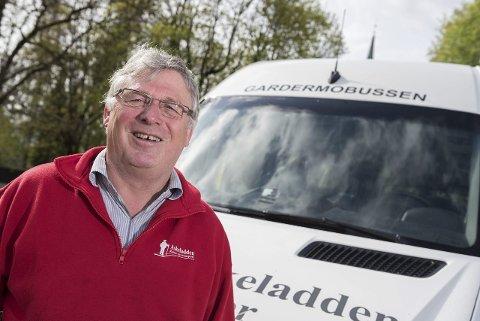 Nytt tilbud: Askeladden-innehaver Rolf Lie tror det kan være positivt med et nytt flybusstilbud på Hadeland, både for kundene og hans egen bedrift.
