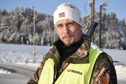 Richard Baksvær melder overgang fra Frp til Høyre, men sier at det ikke er noen dramatikk i avgjørelsen. Her avbildet som leder Viltnemnda i Ringerike.