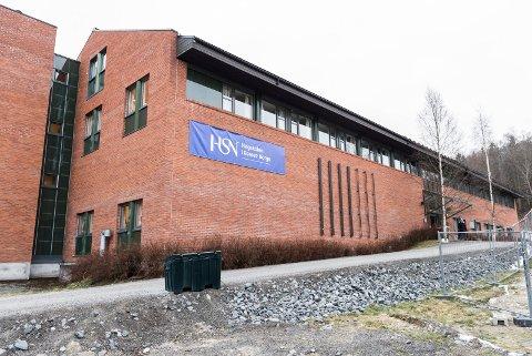 Høyskolen i Sørøst-Norge, tidligere HBV og HiBu.