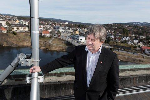 Ordfører Kjell B. Hansen (Ap) kan ikke love mer penger til Ringerike Etablerersenter nå, men mener fylket må ta sin del av ansvaret for driften.