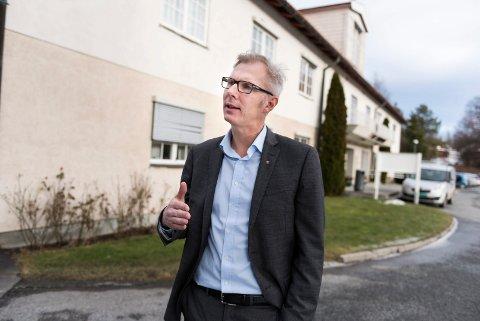 Rådmann i Hole, Ståle Tangestuen, mener kommunen selv bør drive et asylmottak.