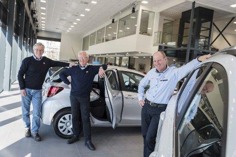 Hans Gamkinn, Runar Johannessen og Christian Østheims selskap Bilholding AS selger Toyota Hønefoss og Toyota Hadeland til Bauda-konsernet, som er Norges største Toyota- og Lexus-forhandler.