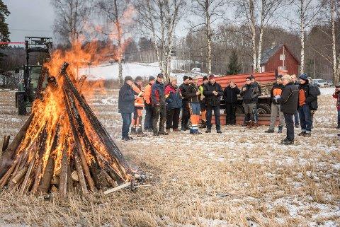 Harald Fagerås som er formann i Norderhov Sogneselskap holdt en appell under markeringen hos Håkon Lindstad på Hverven gård.