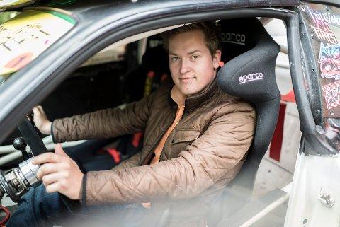 FORBILDE: Andreas Odden Lehne (23) er aktiv i gatebilmiljøet, og et forbilde for unge som sliter med mobbing og vonde følelser.