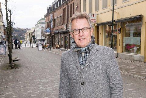 Helge Stiksrud meldte seg ut av Venstre da partiet gikk i regjering med Høyre og Frp. Nå vil han bli klima- og miljøsjef i Ringerike kommune.
