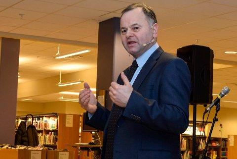 Olemic Thommessen har vært stortingspresident de siste fire årene. Her fra et besøk i Hønefoss i 2014.