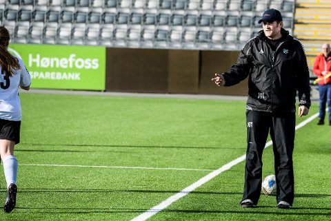 FORSTERKER: HBK-trener Jan Gundro Thorstensen er fornøyd med å ha sikret seg Madelen Dalland Larød før de siste avgjørende kampene i 2. divisjon.