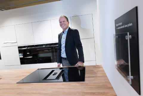 FORNØYD: Erik Didriksen (55) og Kvik Hønefoss har hatt et godt salgsår. Han mener det skyldes en kombinasjon av ansatte, produktet og innovative løsninger.