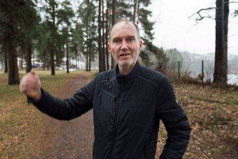 Olav Høgset har startet innsamlingsaksjon for å få  merket flere løyper i Schjongslunden.